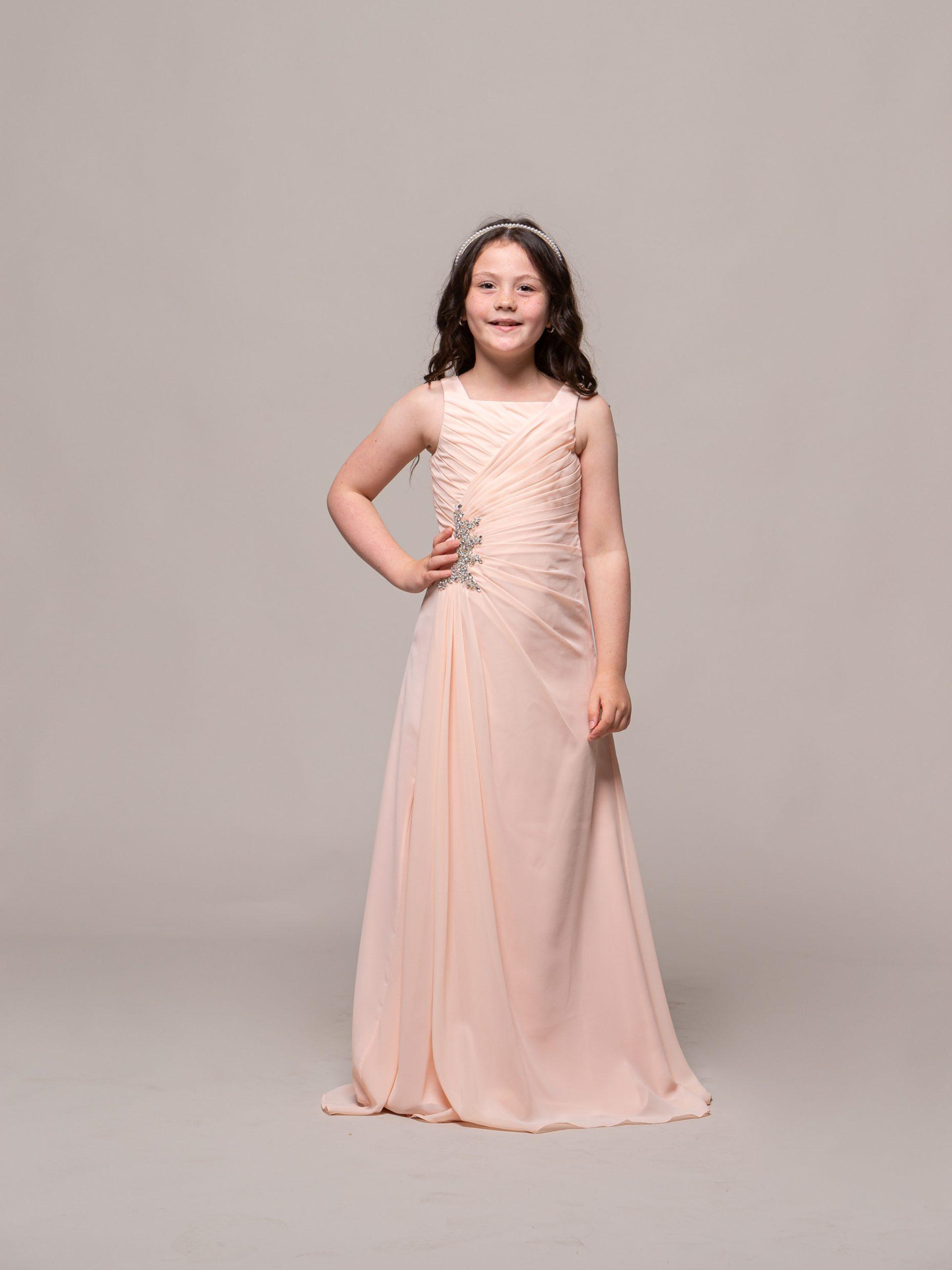 MAB05JNC03 19-4462 - MAB 05 JN Ivory-.Junior bridesmaid in blush 1