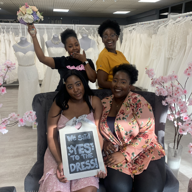 yes to the dress family photo